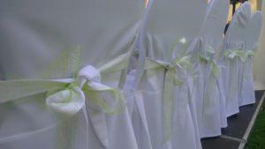 Stuhldekoration bei Weltlicher Hochzeit