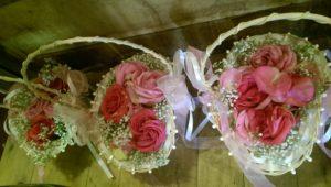 Hochzeitszeremonie mit Kindern - Blüten streuen