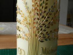 Foto von einer Hochzeitskerze mit Lebensbaum